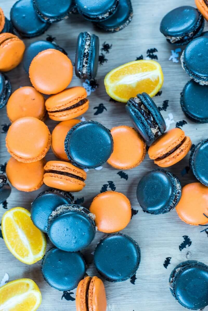 Halloween Essen für Kinder Orange und schwarze Kekse